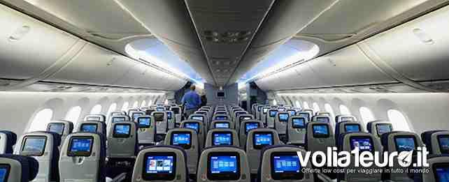 Cabina deformata aereo costretto ad un atterraggio d for Manuale per la pulizia della cabina dell aeromobile