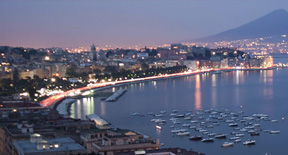 Vola a Napoli a partire da 24,73 Euro con Easyjet