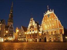 Turista nella città Riga – Stato Lettonia – Ecco cosa visitare