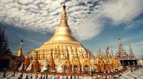 Turista nella città Yangon – Stato Birmania – Ecco cosa visitare
