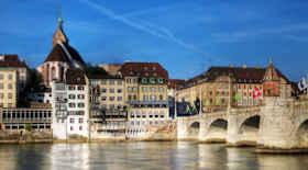 Turista nella città Basilea – Stato Svizzera – Ecco cosa visitare