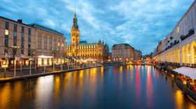 Turista nella città Amburgo – Stato Germania – Ecco cosa visitare