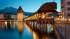Turista nella città Lucerna – Stato Svizzera – Ecco cosa visitare