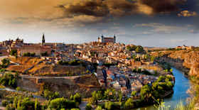 Turista nella città Toledo – Stato Spagna – Ecco cosa visitare